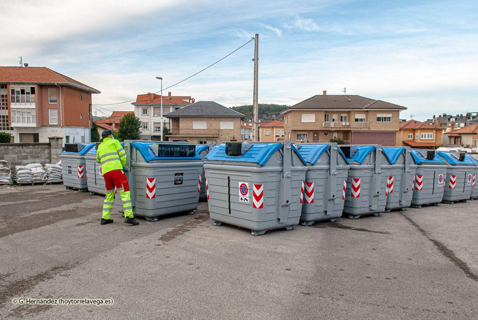 La recogida de papel y cartón se incrementa un 27% con los nuevos contenedores de carga lateral