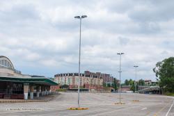 Un aparcamiento gratuito en altura en el Ferial con espacio cubierto para el mercado