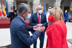 """El Gobierno de Cantabria traslada a la profesión enfermera su """"orgullo y apoyo incondicional"""" en un sentido homenaje"""